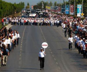 شاهد.. آلاف الأتراك في مسيرات احتجاجية ضد الديكتاتور العثماني «أردوغان» (فيديو وصور)