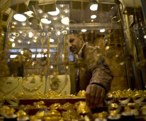 الصاغة غير راضيين.. أسعار الذهب اليوم السبت 11-8-2018