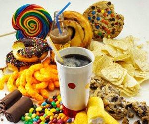 خفض سعراتك الحرارية بالبعد عن السكريات والدهون  للعيش بصحة جيدة وفقدان الوزن