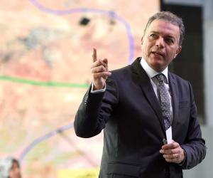 وزير النقل يعرض على الشركات البريطانية الفرص الاستثمارية في قطاع السكة الحديد