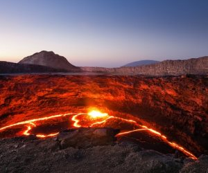 هزة أرضية وتزايد في النشاط البركاني في جزيرة بالي الإندونيسية