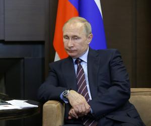 الجزيرة تواصل ألاعيبها بنصب كمين لإعلامي روسي للإساءة لبلاده (القصة الكاملة)