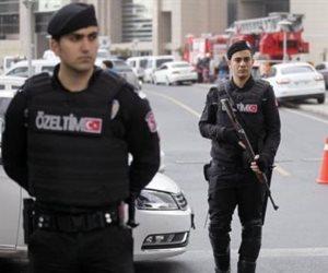 في ذكرى الثورة.. أردوغان يطيح بـ 7300 موظف من قطاعات الجيش والشرطة