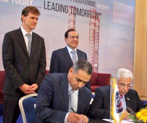 السفير البريطاني: الغاز والبترول أهم القطاعات التي تدفع اقتصاد مصر إلى الأمام