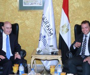 وزير النقل يلتقي الفريق مميش لبحث إعداد مخطط عام لكل الموانئ المصرية