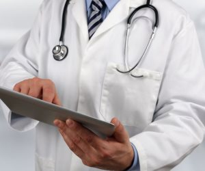 محضر ضد طبيب بمستشفي عام بالشرقية أفقد طفلة النطق والنظر