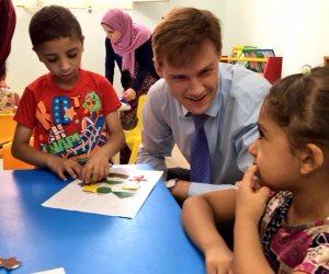 السفير البريطاني: تطوير التعليم يتطلب أفكار متنوعة (صور )