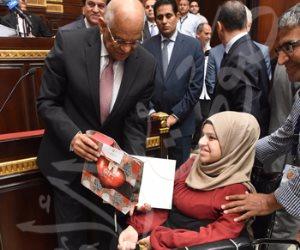 رئيس النواب يكرم الأولى على الثانوية العامة من ذوي الاحتياجات الخاصة (صور)