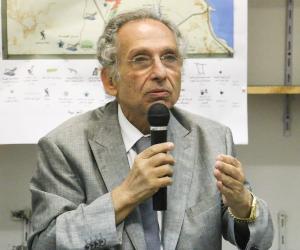 محامي يطالب النائب العام بالتحقيق مع ممدوح حمزة بتهمة قلب نظام الحكم