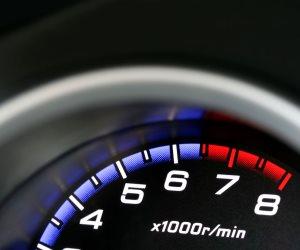 كيف تكتشف التلاعب بعداد السيارة المستعملة قبل شرائها
