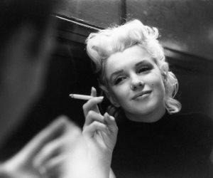 """10 صور نادرة لأيقونة الجمال والموضة """"مارلين مونرو"""" قبل الشهرة.. جميلة من يومك"""