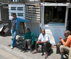 حكومة جنوب أفريقيا تتبنى خطة طواريء للحد من بطالة الشباب