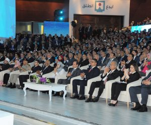 السيسي : لن نأخذ مكاننا بين دول العالم إلا بالصبر وتحمل التحديات التي تواجهها مصر