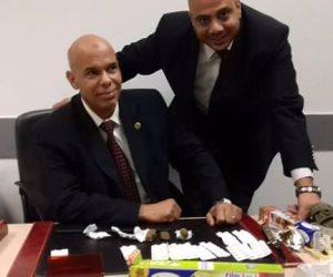 جمارك مطار القاهرة تحبط محاولة تهريب كميه من أقراص الترامادول