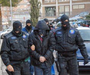 اعتقال أكثر من 100 مهربي البشر وتجار الهجرة غير الشرعية