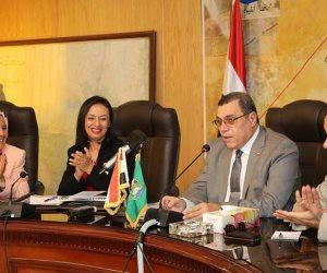 مايا مرسي لمحافظ الفيوم: القيادة السياسية تؤمن بقدرة المرأة المصرية