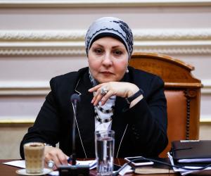 برلمانية تتقدم بطلب مناقشة بشأن محو الأمية في مصر