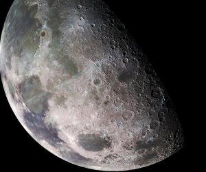 الجمعية الفلكية: القمر في التربيع الأخير اليوم ويصل أعلى نقطة بالسماء