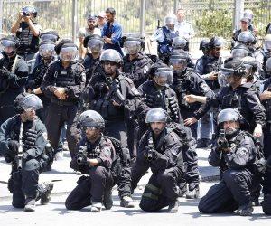 مراهقين بأقنعة مهرجين يثيرون حالة من الرعب في الشوارع الإسرائيلية