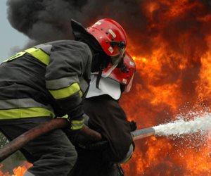 انتداب المعمل الجنائي في حريق مصنع منتجات غذائية بأكتوبر