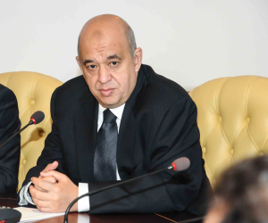وزير السياحة يبيع الوهم.. إيرادات خادعة وشفافية غائبة عن القطاع