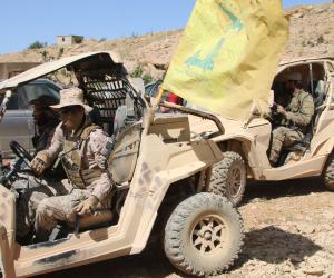 ماذا يفعل حزب الله في بغداد؟.. حلفاء إيران يشتتون الجهود العراقية لعودة الاستقرار