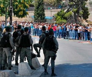 الاحتلال الإسرائيلي يخطر بهدم 11 منزلا بقرية بقلقيلية شمال غربي الضفة