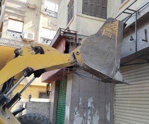 حي الدقي يوقف أعمال تجهيز جمعية تعاونية وتحويلها إلى كافيه (صور)