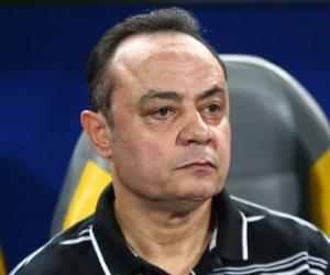 طارق يحيى يحضر مباراة ناشئي الزمالك أمام انبي