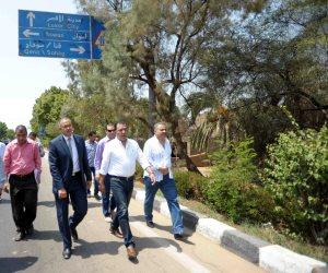 محافظ الأقصر يبحث مع نائب وزير الإسكان تطوير 13 منطقة عشوائية (صور)