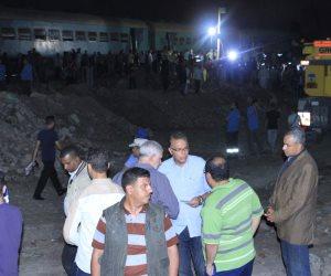 وزير النقل يتابع رفع عربات حادث قطاري الإسكندرية (صور)