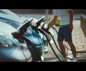 مسؤول بمازدا يشككك في مستقبل السيارات الكهربية