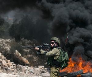 الاحتلال الإسرائيلي يقتحم وسط رام الله.. وينسحب بعد توزيعه بيانا