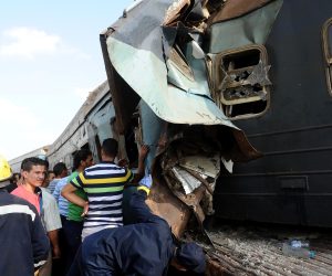 نيابة الإسكندرية تأمر بحبس سائق قطار بورسعيد ومساعده بحادث الإسكندرية