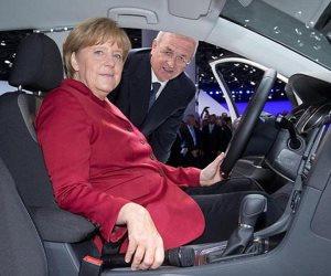 المستشارة الألمانية تعلن اعتراضها على مقترح وضع حصص للسيارات الكهربائية بالاتحاد الأوروبي