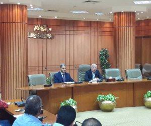 محافظ بورسعيد يناقش آليات النهوض بالمنظومة القانونية بمختلف الإدارات (صور)