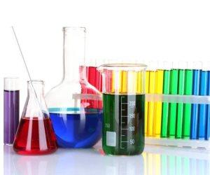 «معسكر العلوم».. تجارب كيميائية وفيزيائية للأطفال بمكتبة مصر العامة