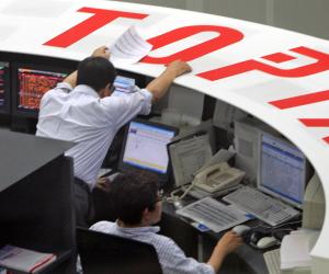 بورصة طوكيو تبدأ 2018 بقفزة 3.26%