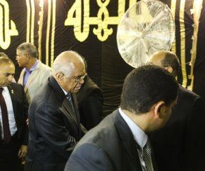 علي عبد العال وابراهيم محلب ووزير التموين يصلون عزاء رفعت السعيد