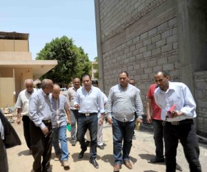 محافظ الأقصر يتفقد المدارس لمتابعة الصيانة والترميم قبل بدء العام الدراسي الجديد (صور)