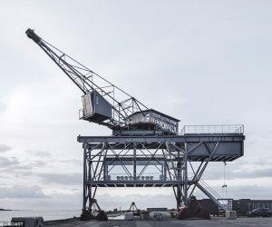 اهرب وعيش لوحدك.. رافعة فحم تتحول لفندق لشخصين  في ميناء بالدنمارك