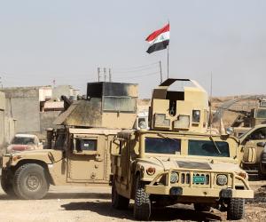 القوات العراقية تعثر على مقبرة جماعية لضحايا أعدمهم داعش بالموصل