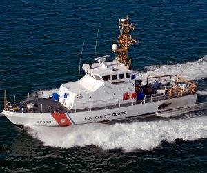 خفر السواحل الأمريكى ينقذ ما لا يقل عن 17 شخصًا فى أعقاب إعصار هارفى