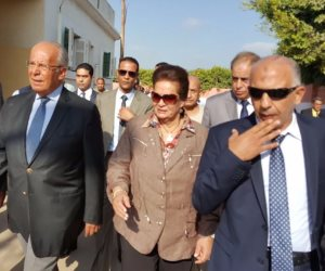 وزير التنمية ينفي ضم قصور الثقافة للمحليات ويؤكد: شائعات لخلق البلبلة (صور)