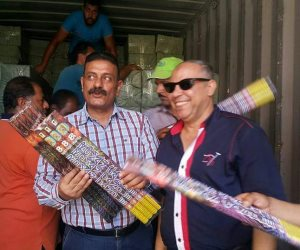 جمارك الإسكندرية تحبط محاولة تهريب كمية كبيرة من الألعاب النارية (صور)
