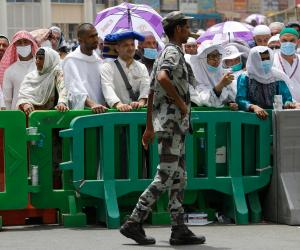 300 ألف موظف مدني وعسكري سعودي يسيرون أعمال الحج