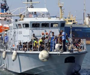 اليونان: إنقاذ 100 مهاجر معظمهم عراقيون قبالة جزيرة كريت
