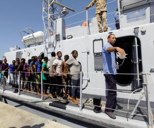 مسئول ليبي: تراجع عدد المهاجرين الليبيين المحتجزين فى البلاد