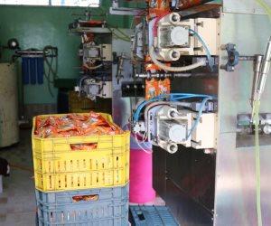 كفر الشيخ:ضبط 630 كرتونة عصائر غير صالحة بمصنع «بير سلم» قبل توزيعها (صور)