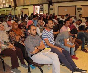 عضو المجلس الرئاسي يحاضر شباب ملتقي لنعبر جسرا بالإسكندرية (صور)